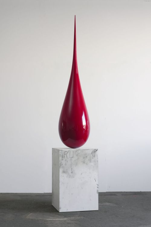 Red Uniform Sculpture by Sterling Ruby (avec images) | Sculpture ...