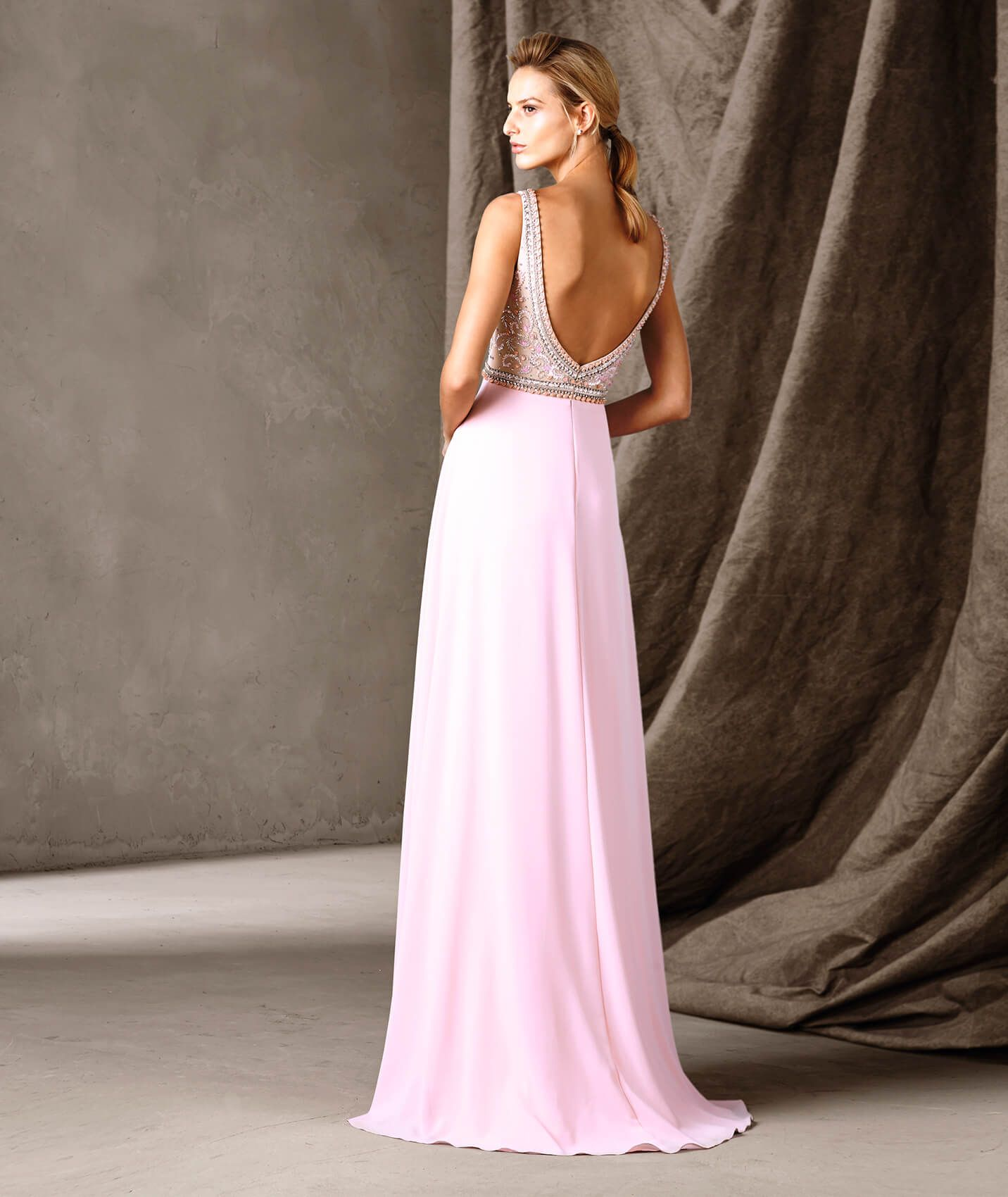 Spectacular long party dress with a full skirt fit for a princess ...