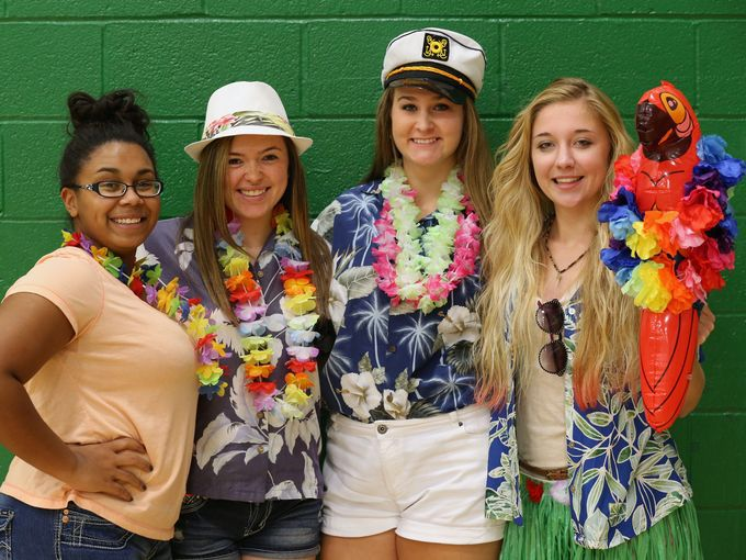 Tropical Tuesday Spiritweek With Images Spirit Week Outfits