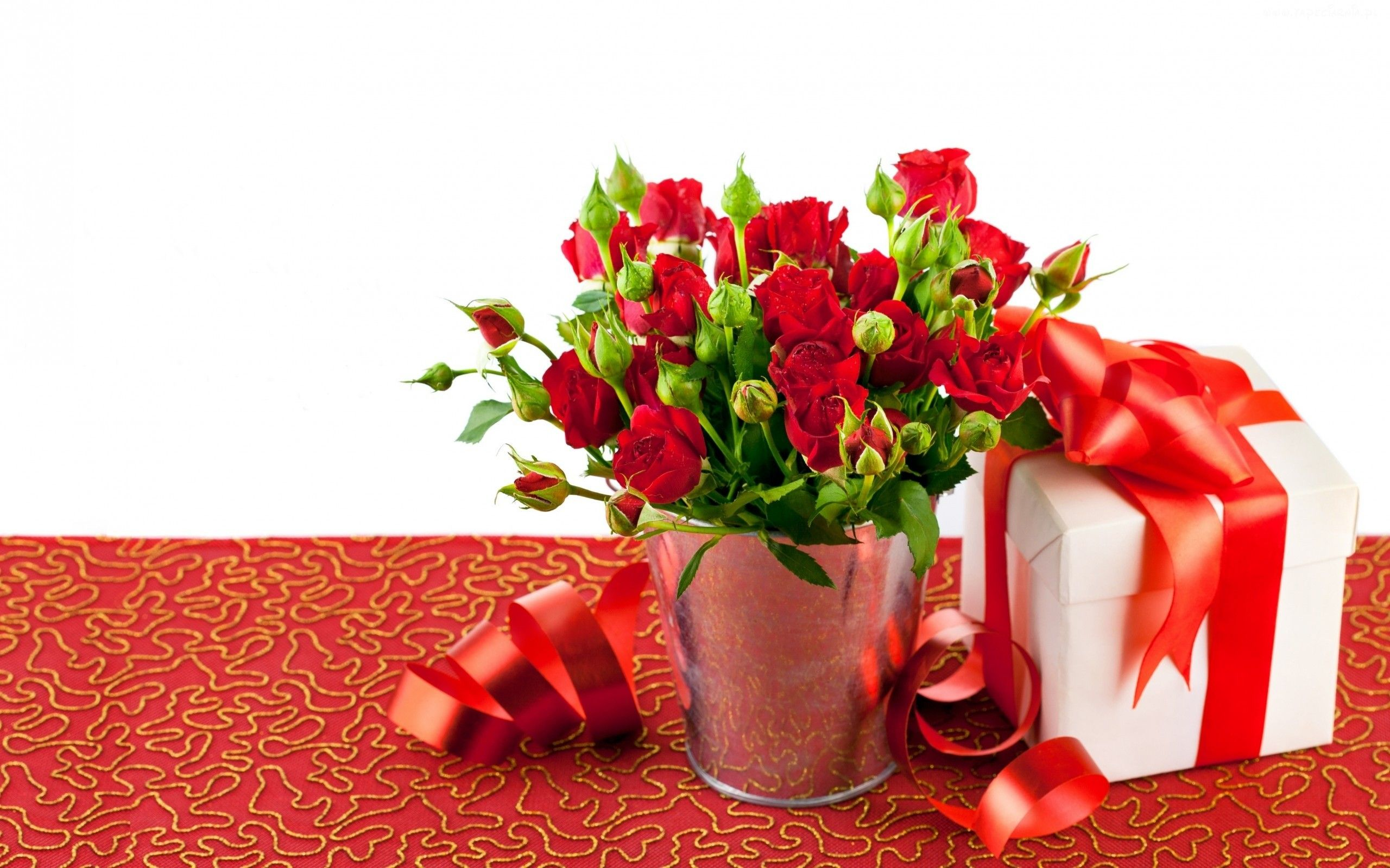 Red rose flower arrangements and a gift box hd wallpaper sushma red rose flower arrangements and a gift box hd wallpaper negle Gallery