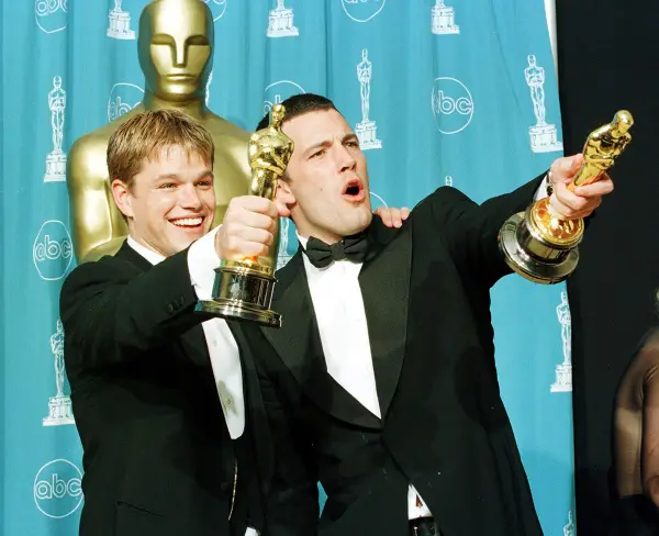 This Is What The Oscars Looked Like In The 90s Noticias De Cine Ben Affleck Peliculas De Superheroes