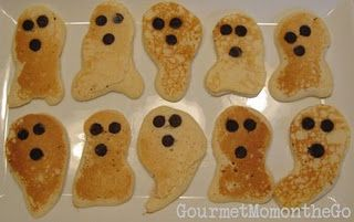 it would be awesome if you used food coloring to make jack-o-lantern pancakes also! #halloweenbreakfastforkids