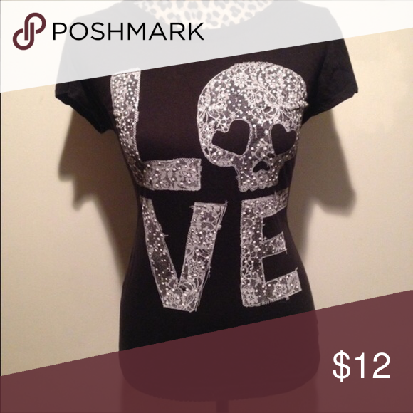 LOVE SKULL black tee Great tee. Design is made with lace and beads. Absolutely darling. Tops Tees - Short Sleeve