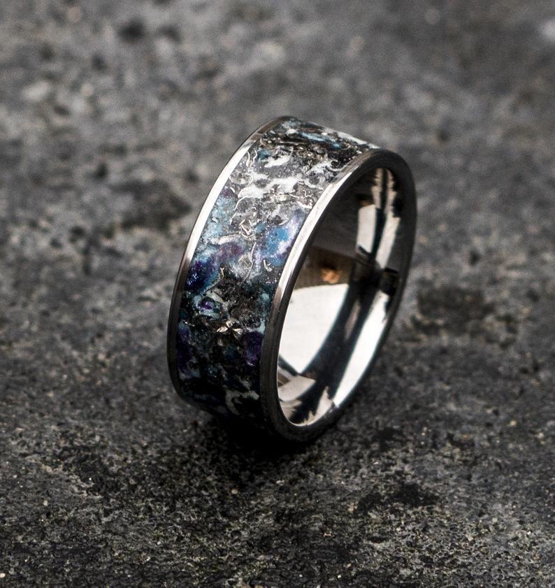 Titanium shavings ring. Glowstone ring. Man opal ring