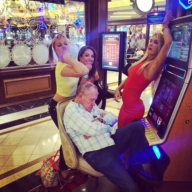 When you fall asleep at the slots in Vegas | Funny family photos, Family  humor, How to fall asleep