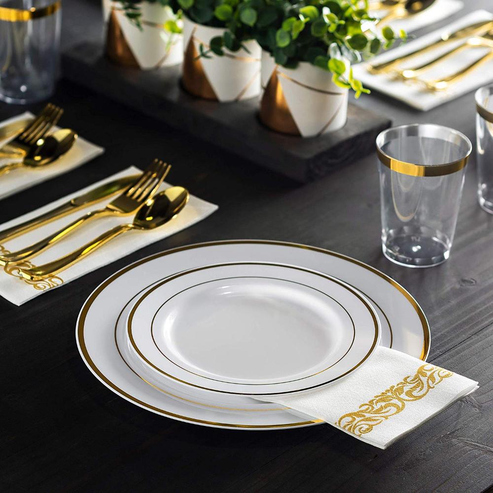 Amazon Com 350 Piece Gold Dinnerware Set 100 Gold Rim Plastic Plates 50 Gold Plastic Silverware 50 Go Gold Dinnerware Dinnerware Set Gold Plastic Plates