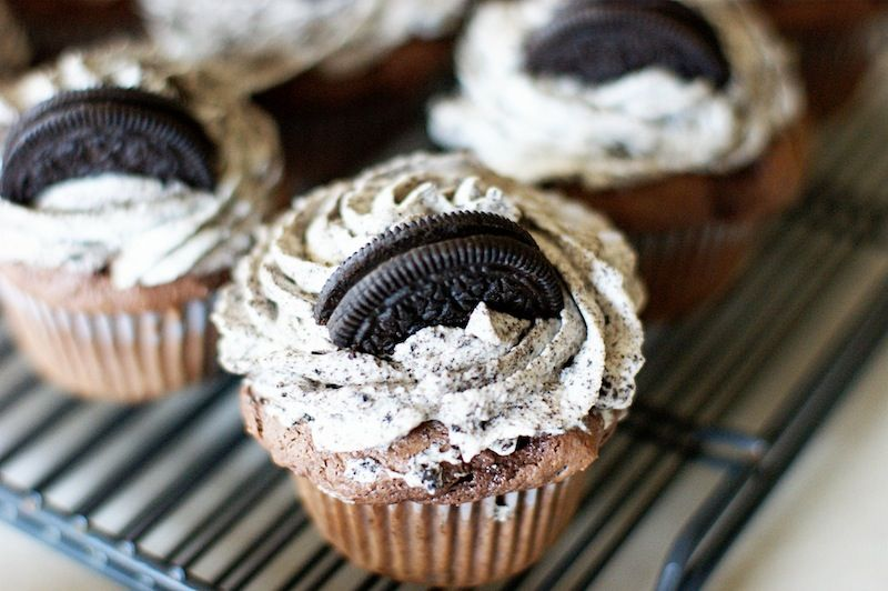 BEST Oreo cupcakes Choc cake mix oreo pudding mix oreo cream
