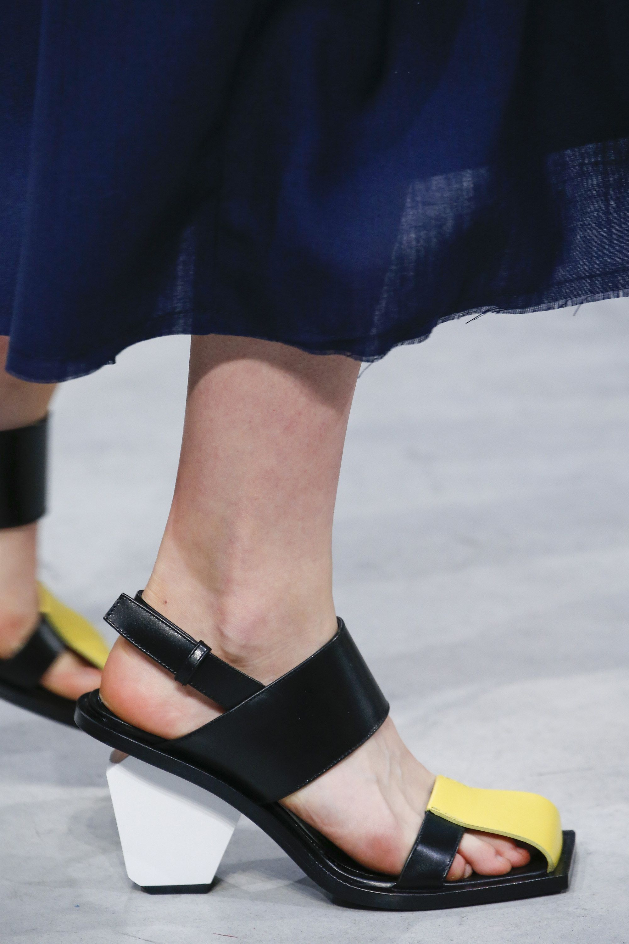 Marni Spring 2016 Ready-to-Wear Fashion Show | Shoes ...
