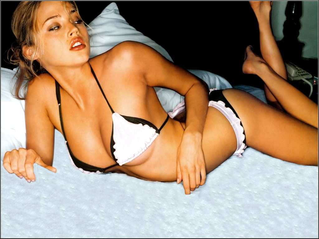 estella warren wiki