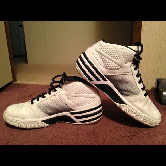low priced c4812 bfd3a Adidas Shoes Adidas Womens ClimaCool basketball shoes size 9 hardly worn  35 Adidas Shoes Athletic Shoes