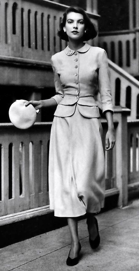 9f5b4ee79 retro ∞ fashion vintage les années 40s - I948 robe tailleur et ...