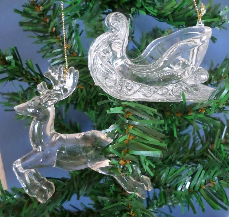 Clear Acrylic Reindeer And Sleigh Ornament Vintage Plastic Etsy In 2020 Christmas Ornaments Reindeer And Sleigh Christmas Decorations Ornaments