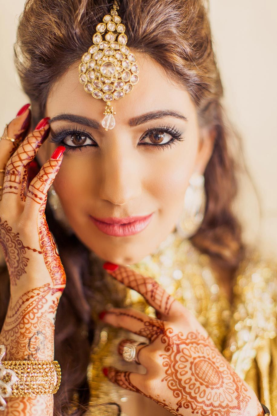 Golden maang tikka designs bridal jewellery bridal maang - 20 Ways To Wear The Maang Tikka