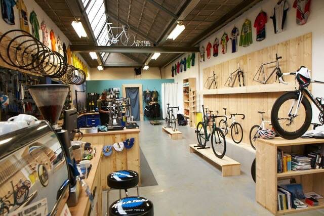 Cool Shop Simple With Good Lighting And Layout Cycling