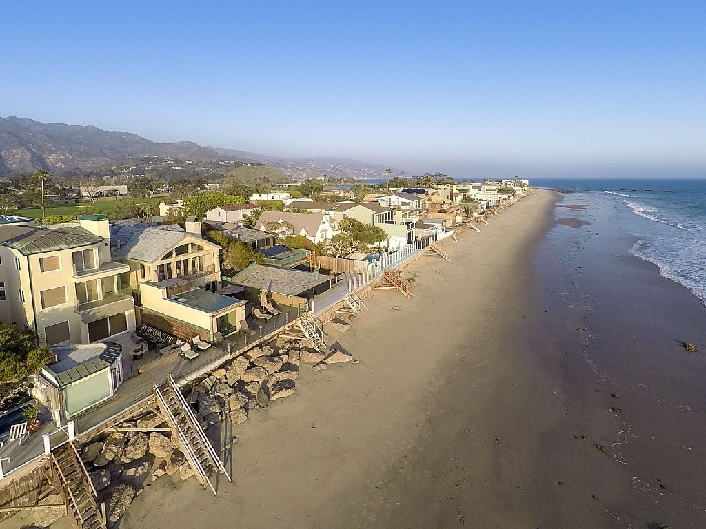 The Name Malibu Beach Motion Picture Colony Was First Given To This Famous Address Located In A 24 Hour Guard Gated Enclave On