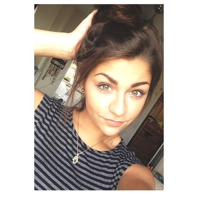 how to look like andrea russett