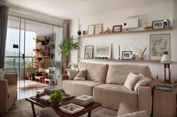 Prateleira para quadros na sala pesquisa google sala for Decoracao sala de estar quadros