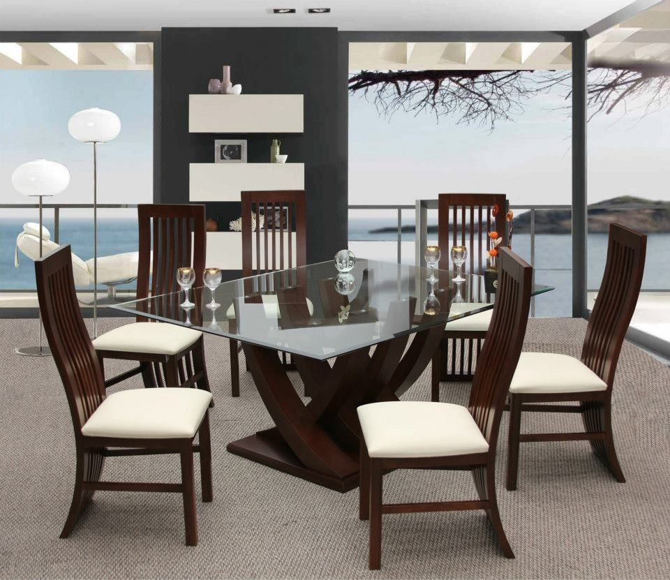 Disfruta comer en familia en este elegante antecomedor for Mesa de comedor elegante lamentable