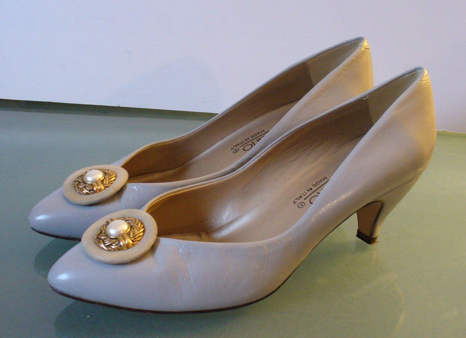 175f5d6bcaf Vintage Bandolino Made in Italy Blue Grey Heels Size 8M in 2019 ...