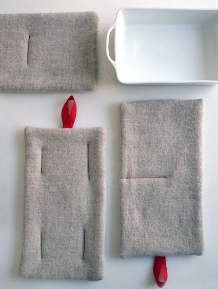 Felt Hot Pads. Love the simplicity of these.