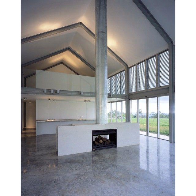 Hay Barn, Mittagong, 2003 © Ross Honeysett #ianmoorearchitects #barn #countryliving #australianarchitecture