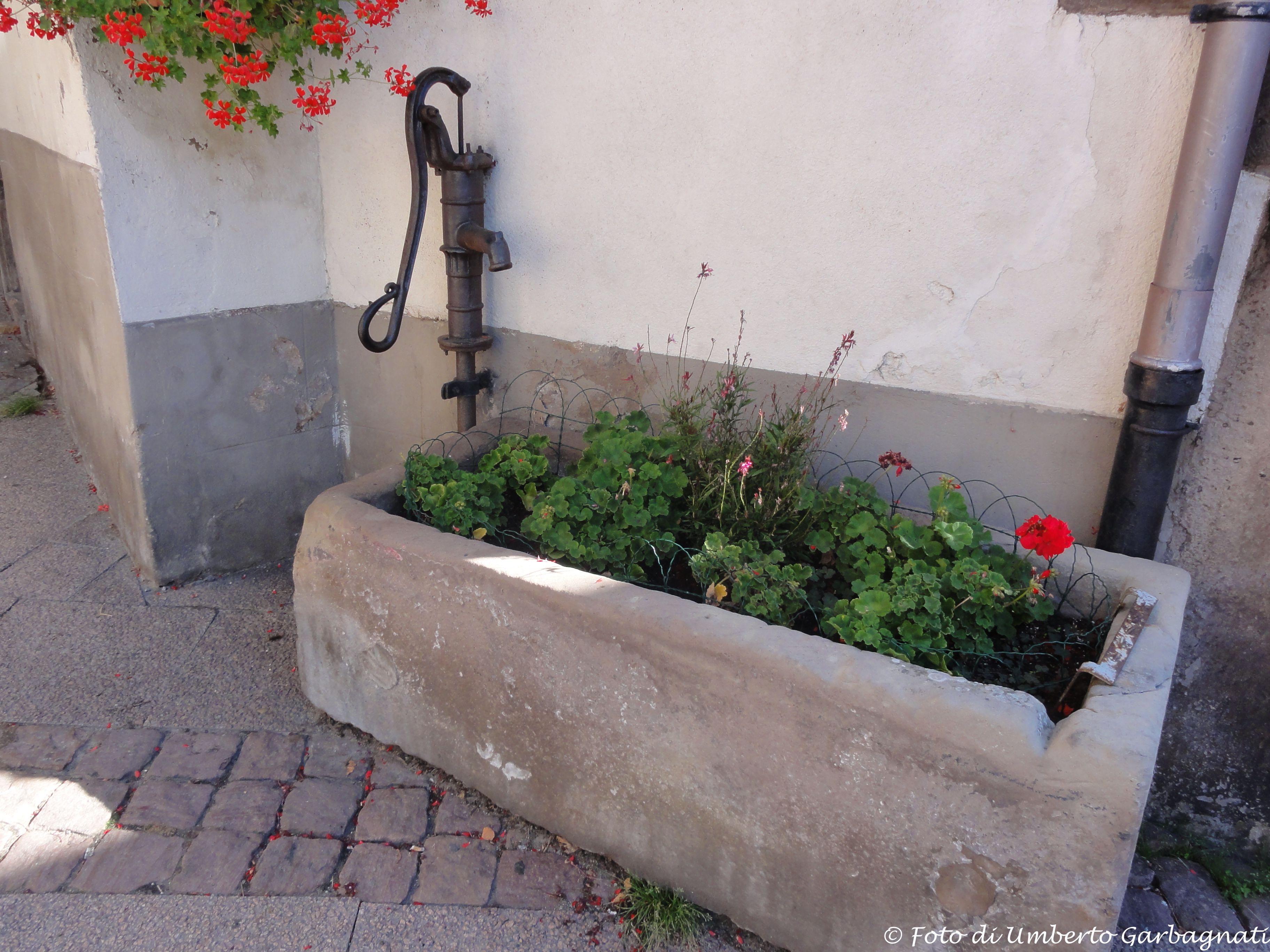 Antica Pompa A Mano Per Acqua Non Pi In Funzione Obernai F Stop