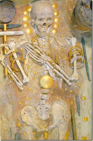 Necrópolis de Varna.5º milenio a.C. La cultura con orfebrería más antigua. Se adelanta 2.000 años al resto de Europa.