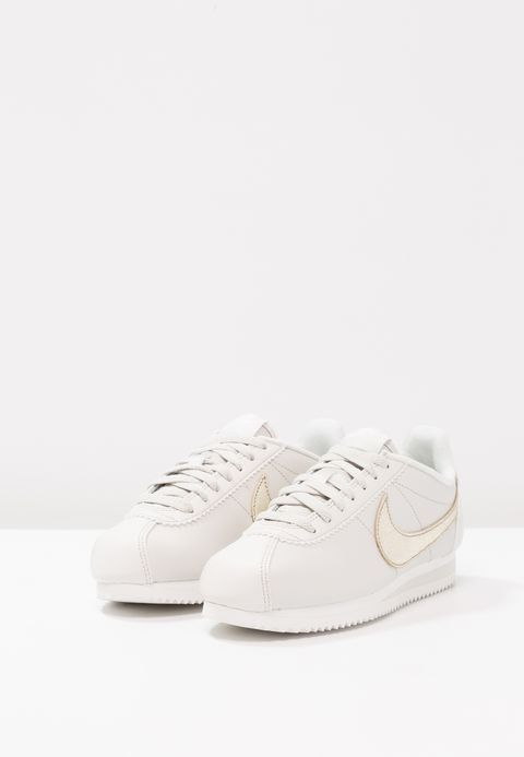 low priced f75e2 1a008 Chaussures Nike Sportswear CLASSIC CORTEZ PRM - Baskets basses - light  bone bronzed olive