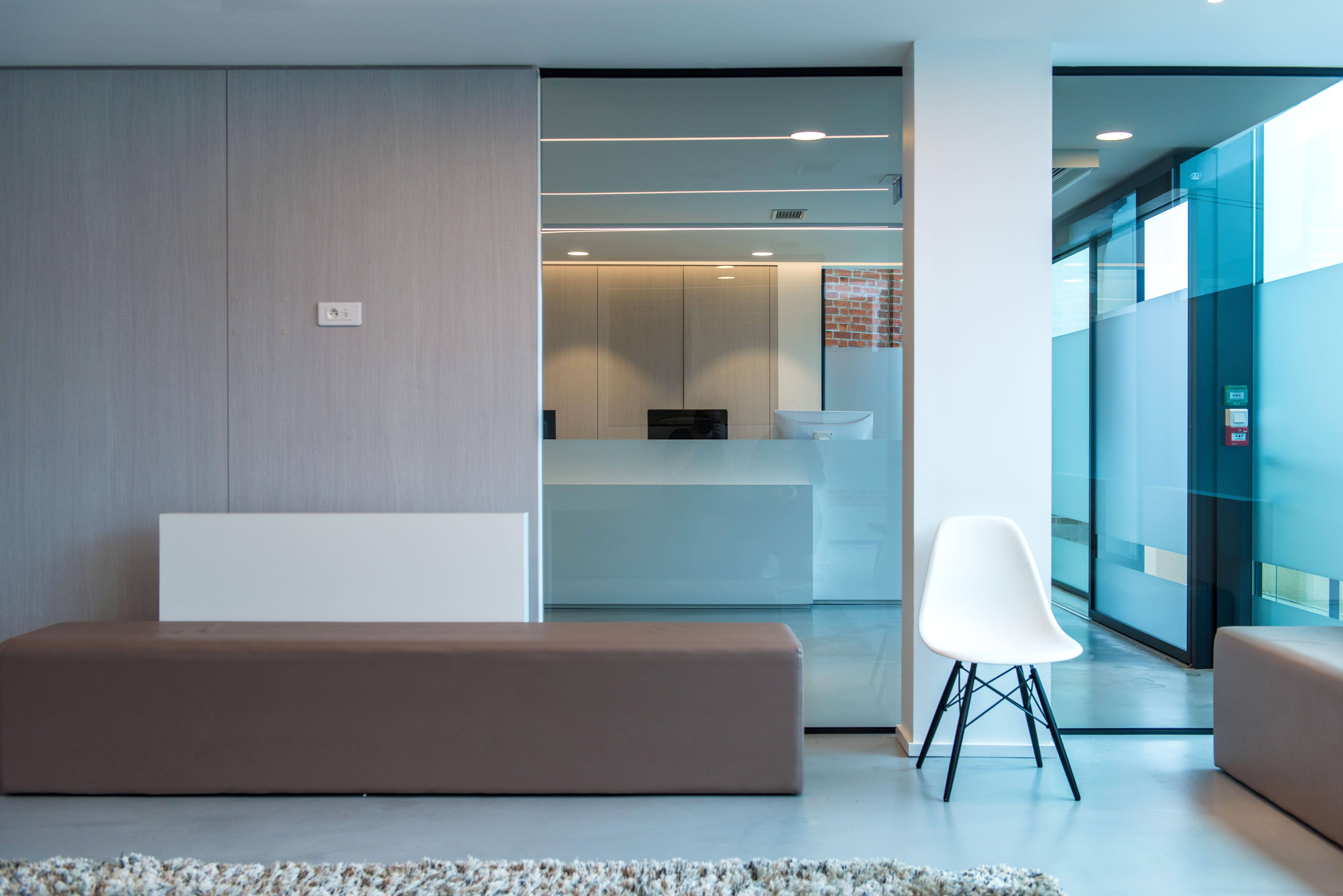 Agencement cabinet médical orthodontie design contemporain