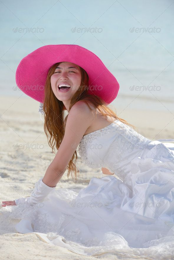 Bride loves asian beach