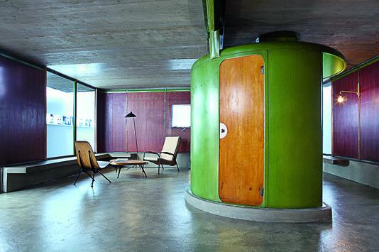 Jean prouv la maison des jours meilleurs furniture jean prouve architecture et maison - Salle de bain charlotte perriand ...