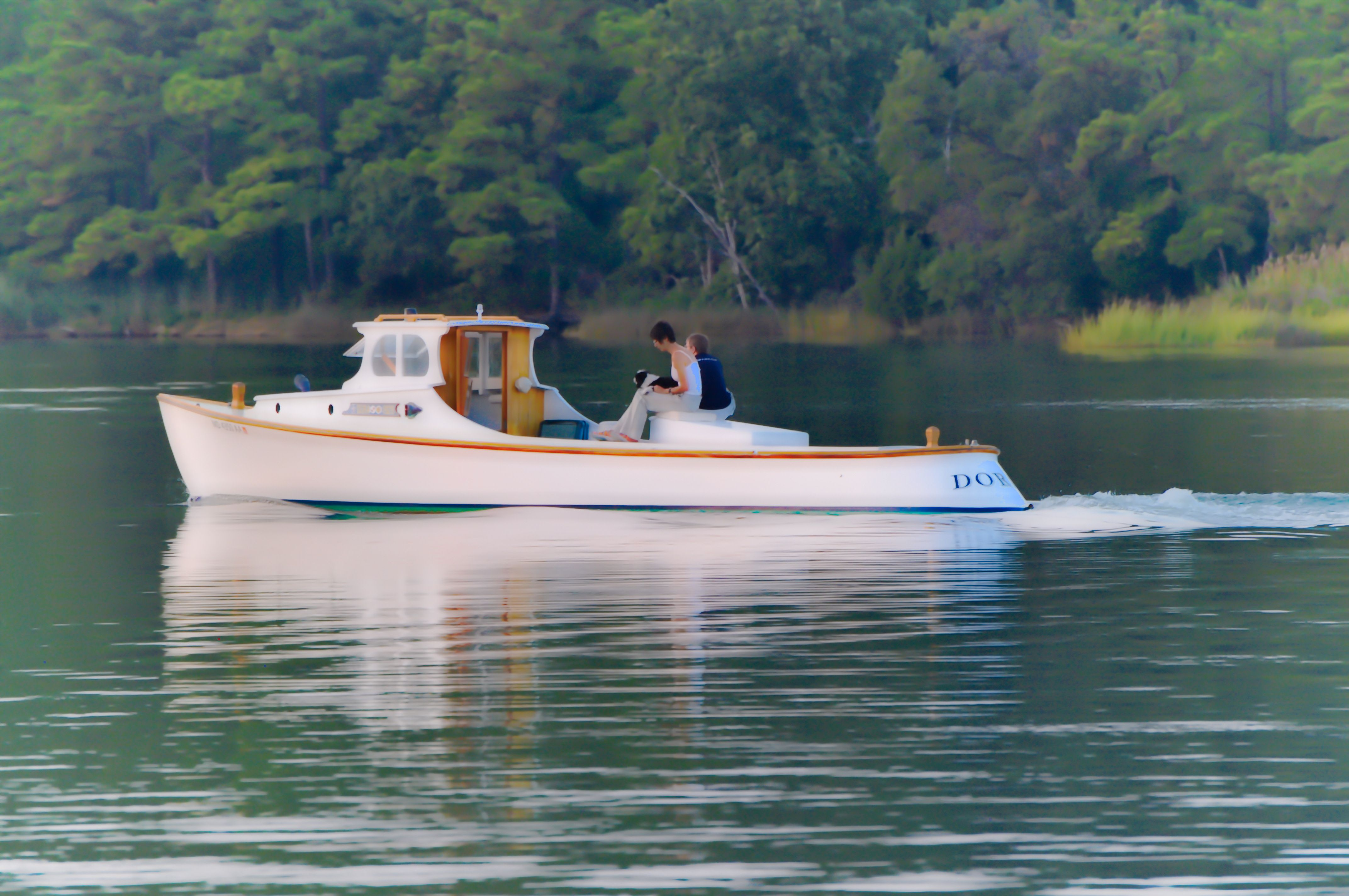Hooper island draketail deadrise workboat on harris creek for Best small fishing boat