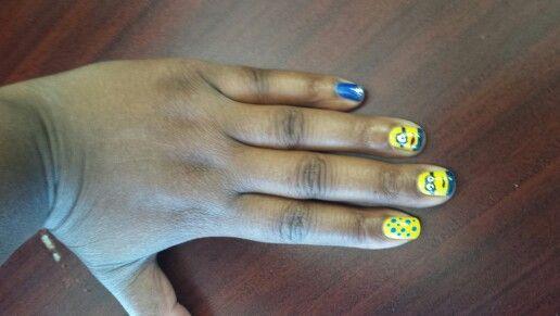 Minion  halloween nails