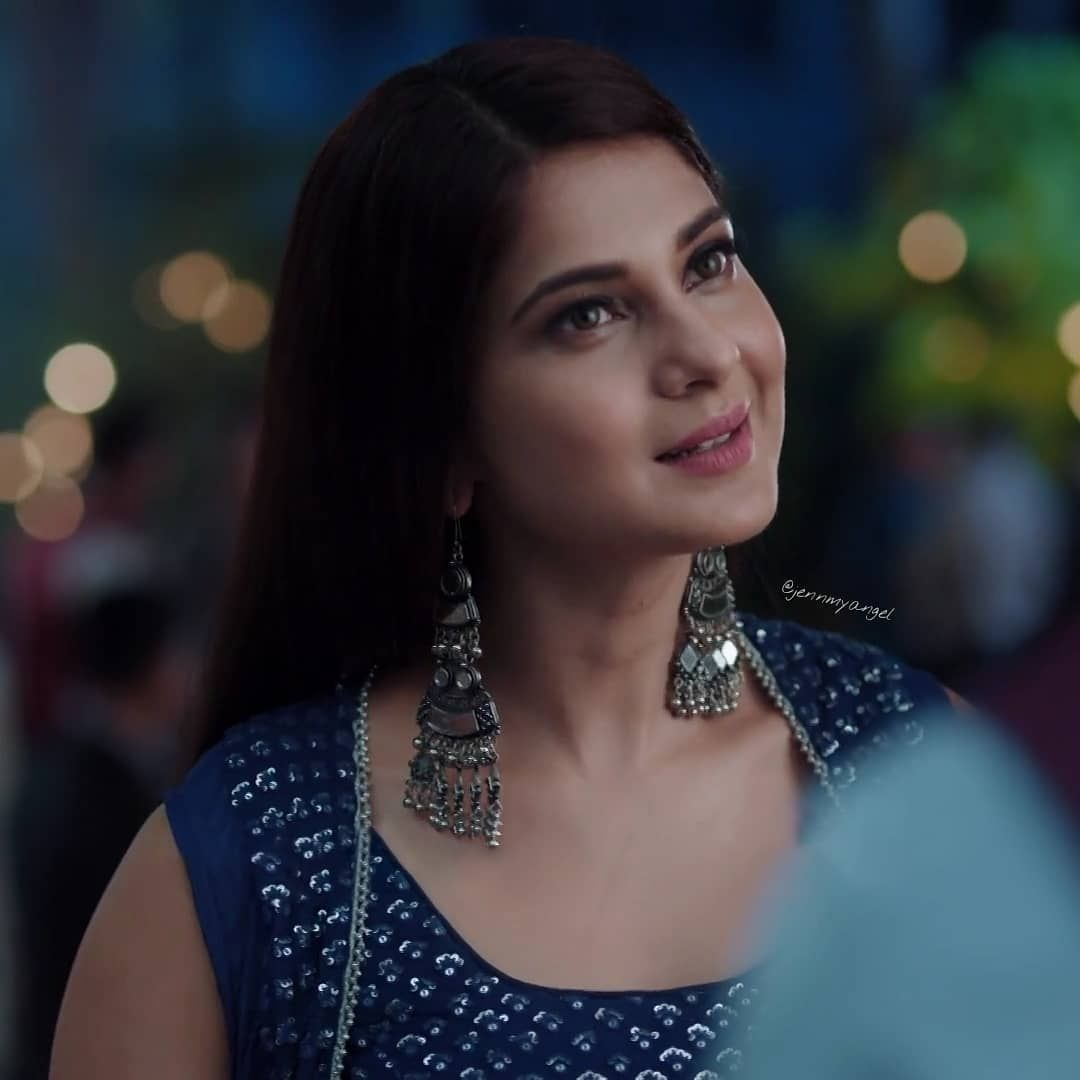 Jennifer Winget Fan Page On Instagram God Has Sent You To The Earth To Show The World How Angels Are Ac Jennifer Winget Jennifer Winget Beyhadh Jennifer Love