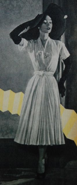 dress with fold-over bodice and plissé skirt, Libelle 1951