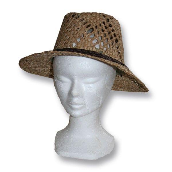 Un chapeau paille avec galon en cuir sur Vannerie Sana
