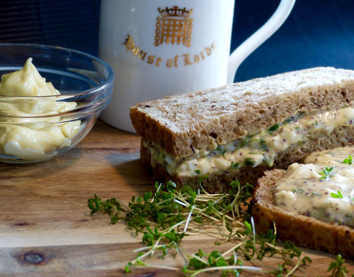 'Sarnies' nennen die Briten liebevoll ihre Sandwiches. In London gibt es mehr 'Sarnie-Shops' als andere Fast-Food-Outlets zusammen. Allen voran die Kette Pret-A-Manger, die …