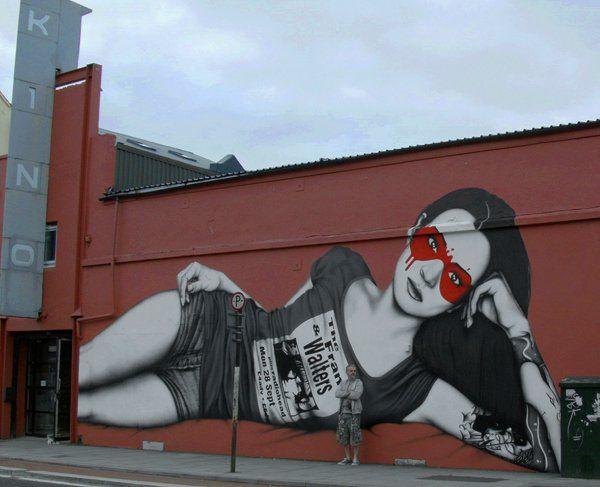 Arte callejero colaboración de Fin DAC y Angelina Christina