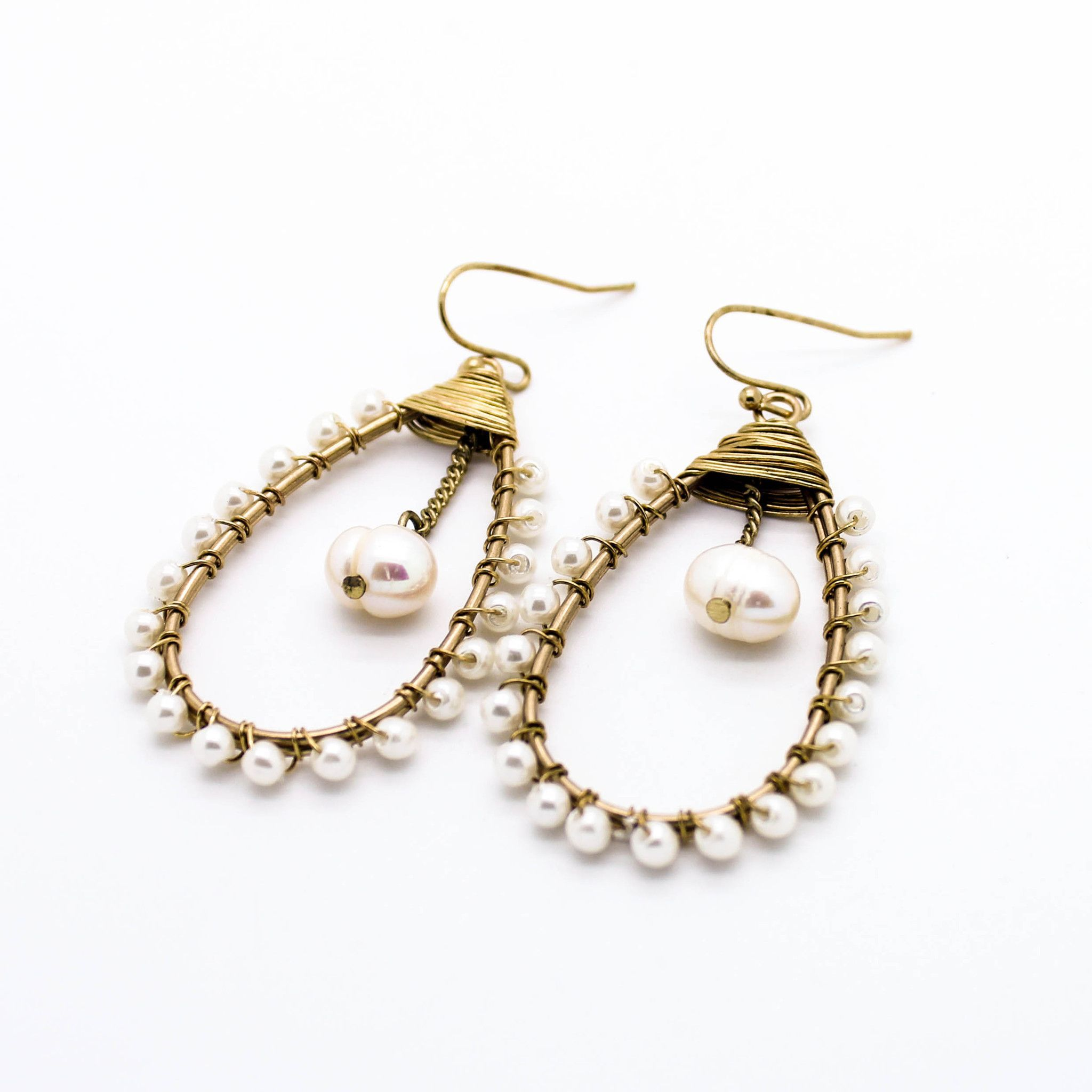Pearl wire earrings | A 99 class idea | Pinterest | Wire earrings ...