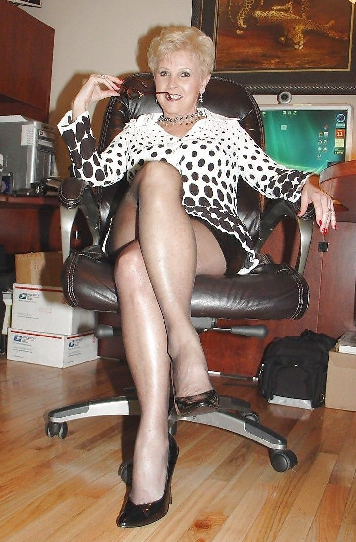 leggy gilf | hot mature ladies, milfs and gilfs | pinterest | granny