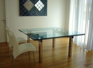 Tavolo allargabile ~ Tavolo allungabile in legno avorio decapato con sedie