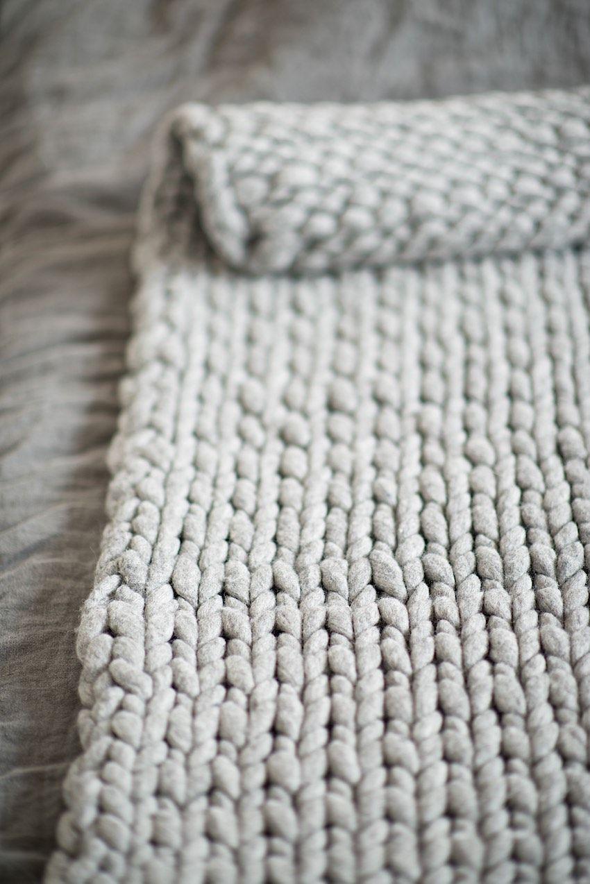 Eine Dicke Decke Aus Kammzug Stricken Tipps Tricks Und Masse Lebenslustiger Com De Strickdecke Muster Schwere Wolldecke Grob Gehakelte Decken