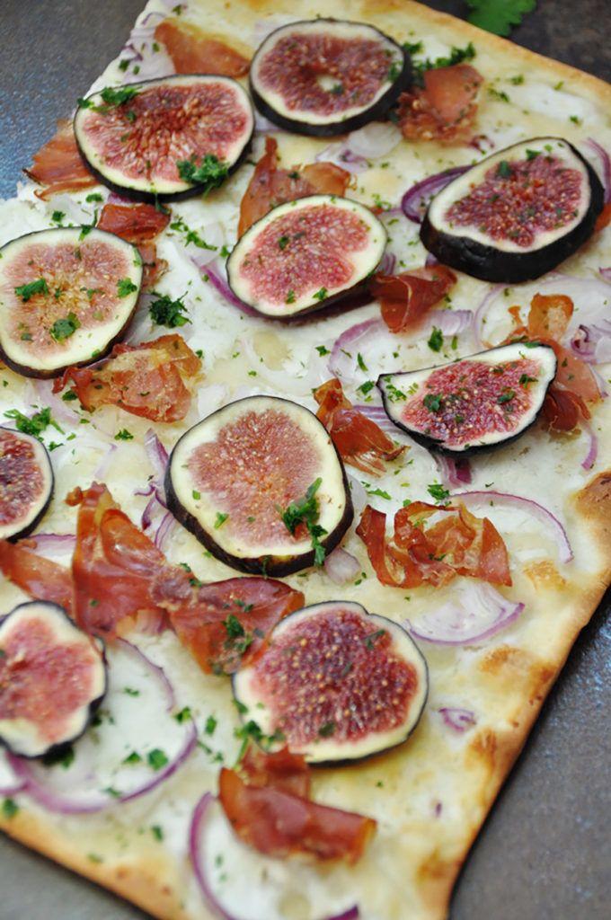 Flammkuchen mit Ziegenfrischkäse und Feigen – Eine kleine Prise Anna