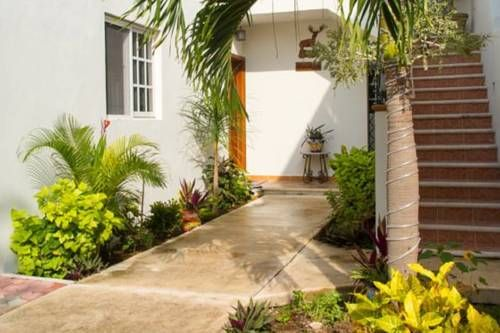 Villas Keh Isla Mujeres Featuring free WiFi and air conditioning, Villas Keh is situated in Isla Mujeres, 600 metres from Cancun Underwater Museum. National park El Garraf?n is 800 metres away. Free private parking is available on site.