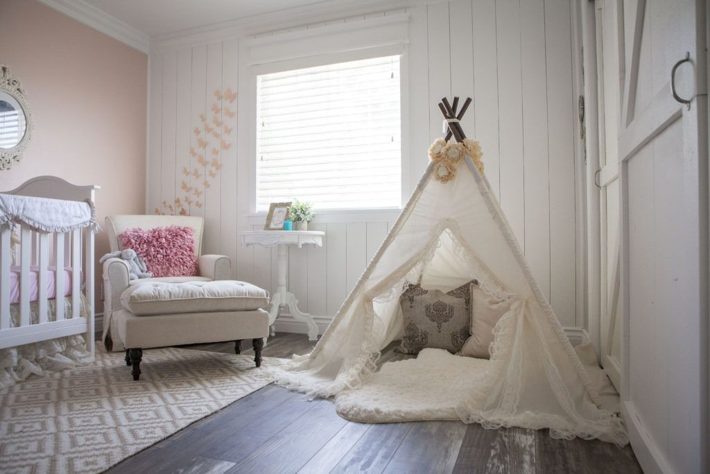 Rooms And Parties We Love This Week Project Nursery Shabby Chic Wallpaper Shabby Chic Living Shabby Chic Interiors