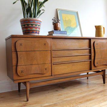 Best Mid Century Modern Bassett Dresser Mirror Dresser With 400 x 300