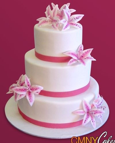 I Like The Placement Of The Flowers LilyCake Stargazer Lily - Wedding Cake With Lilies