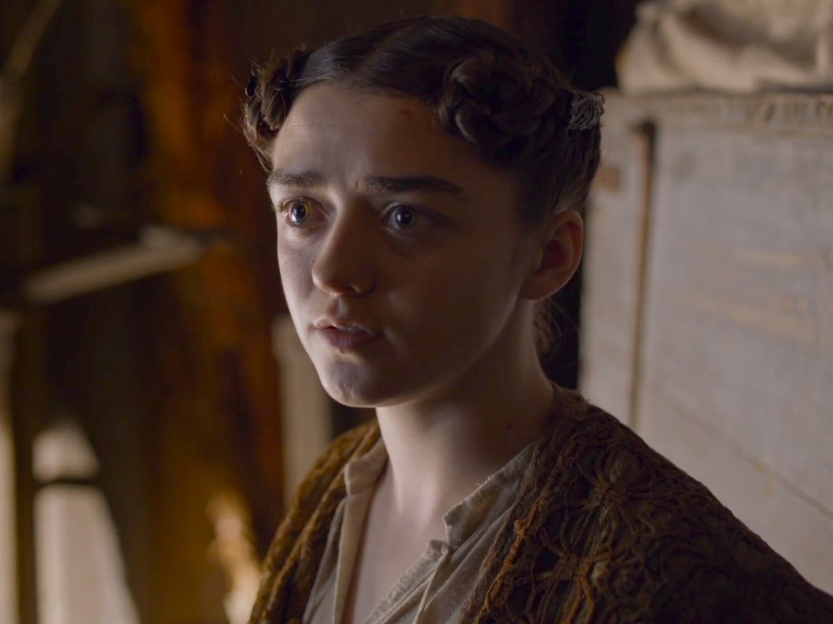Watch The important details you missed from Arya and Brienne's intense fight video
