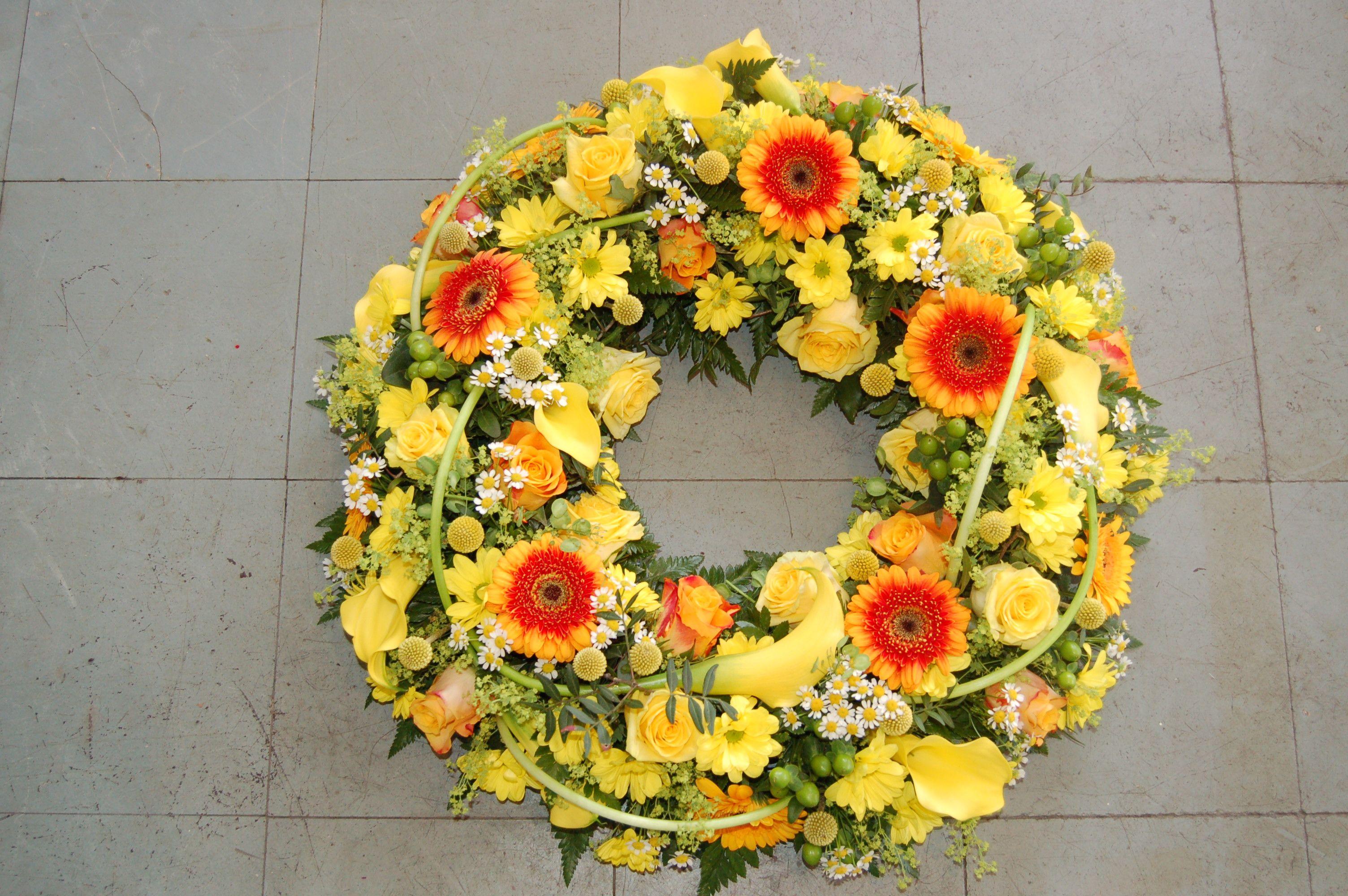Circle of sunshine wreath funeral flower designs pinterest circle of sunshine wreath izmirmasajfo