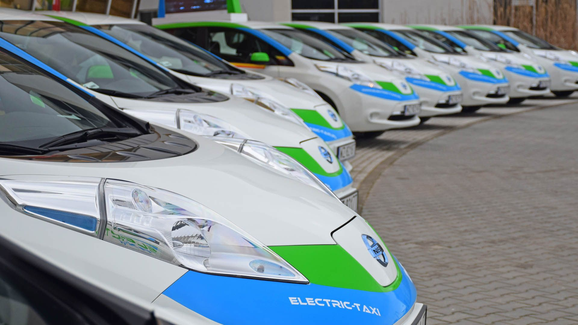 Pin by Lobagola MotoTours on Fleet insurance Car tour